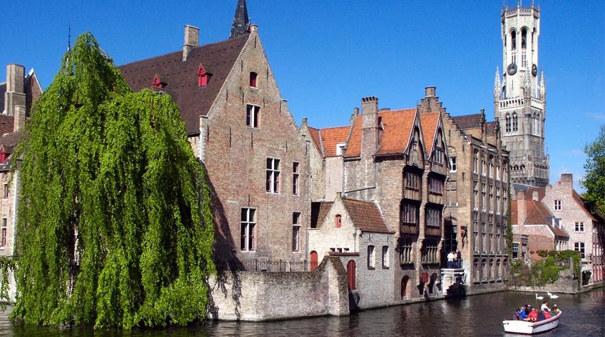 Canales en una ciudad histórica con mucho encanto, Brujas