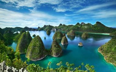 Raja Ampat, un archipiélago de aguas claras e islotes