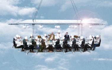 Dinner in the Sky, una cena de vértigo entre las nubes