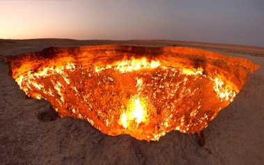 Crater de Darvaza, la mismísima Puerta del Infierno