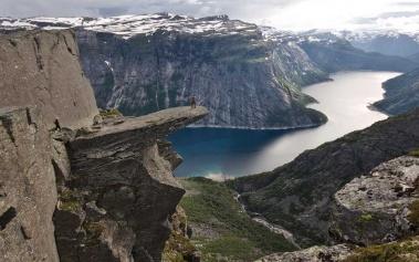 Trolltunga: un impresionante mirador a los fiordos