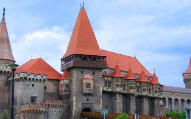 Castillo Hunyad: un castillo de reyes y vampiros
