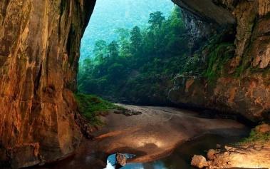 Cueva Hang Son Doong: la más grande del mundo