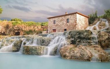 Saturnia: termas de aguas curativas en plena Toscana