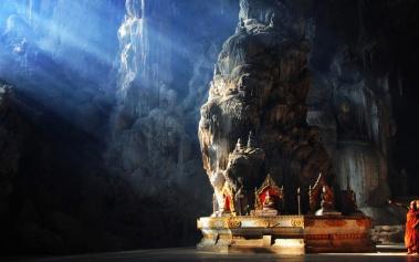 Cuevas Magicas: Cueva Kyaut Sae, y su templo budista