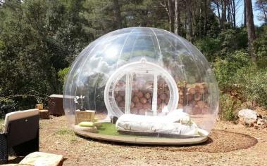 Hotel Attrap-Reves: un hotel burbuja en medio del bosque