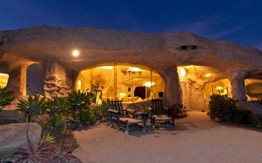 La Casa de los Picapiedra, a la venta en Malibu