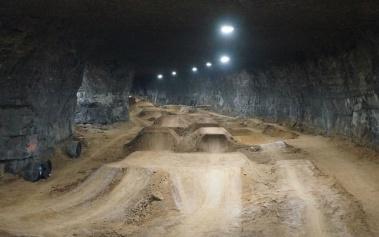 Mega Underground Bike Park: un circuito en una mina