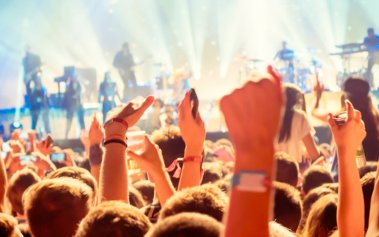 10 festivales musicales en España que te harán disfrutar bajo el sol