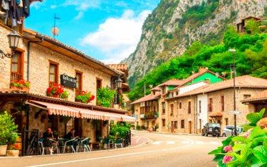 Los 3 destinos españoles favoritos para viajar en Semana Santa