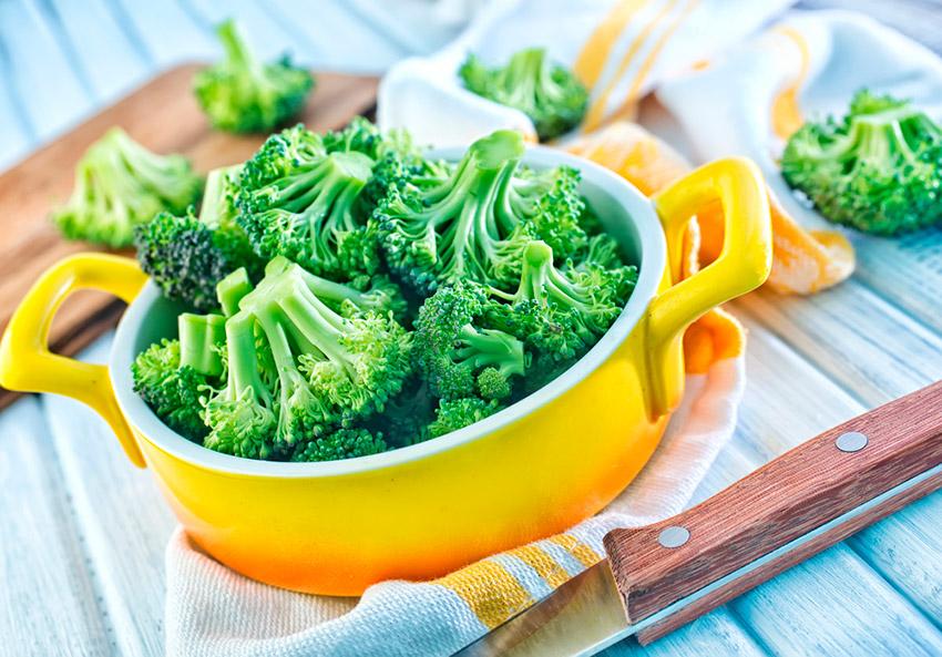 8 alimentos que no debes comer antes de volar