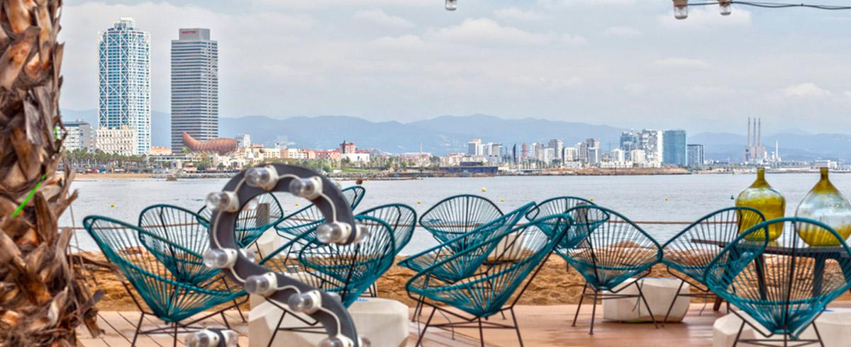 15 terrazas de barcelona donde disfrutar del buen tiempo for Donde queda terrazas