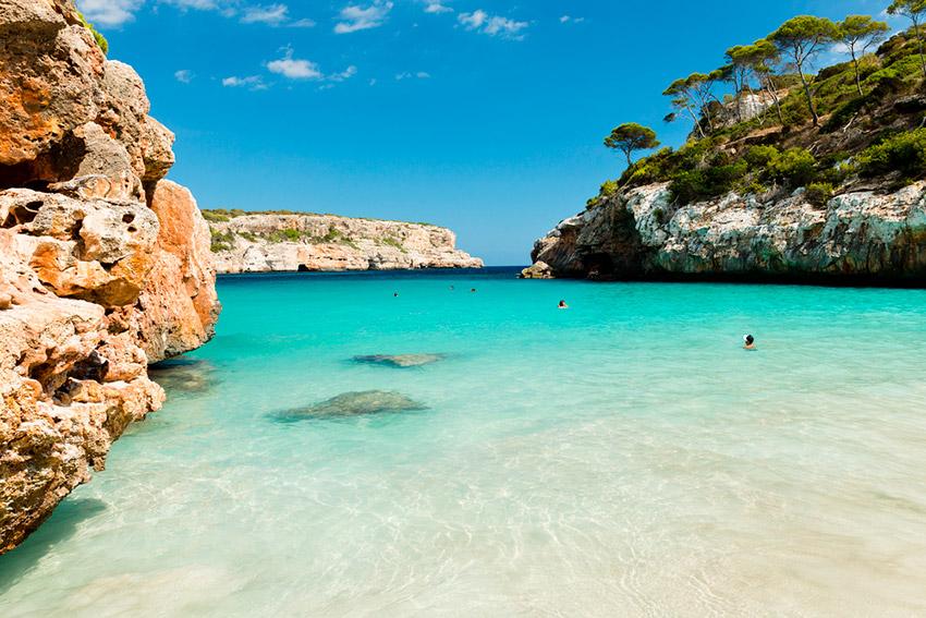 Un paseo por las mejores playas de España para sofocar el calor del verano