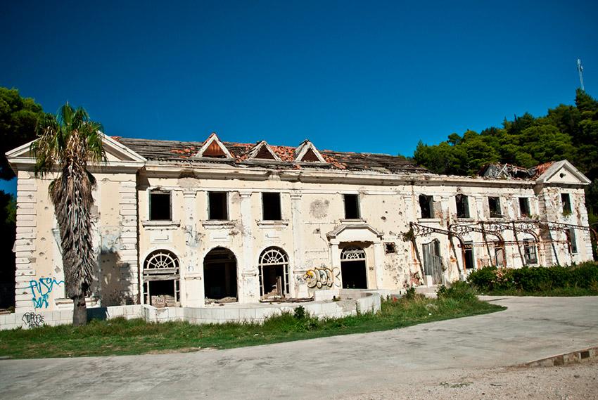 Hoteles abandonados que esconden historias, ¿quieres conocerlos?