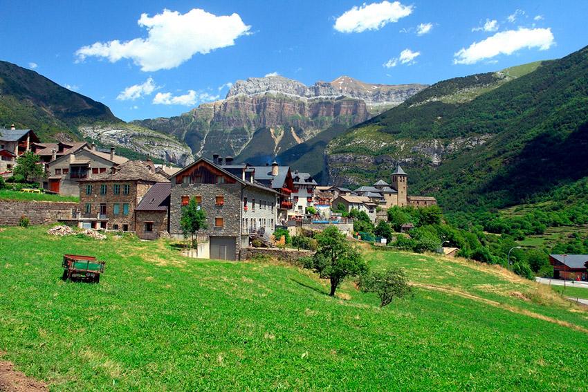 Recorre los pueblos más bonitos del Parque Nacional de Ordesa