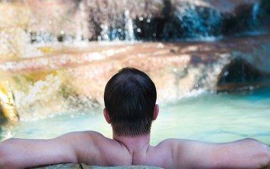 ¡Escápate a estos hoteles con aguas termales en México y relájate!