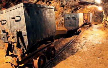 Adéntrate bajo tierra y visita estas minas de España