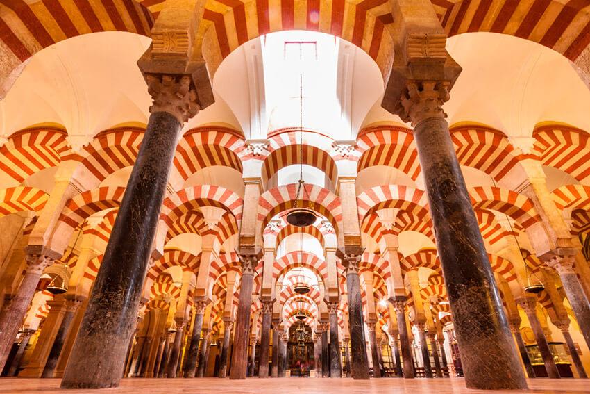 Descubre los monumentos más bonitos de España