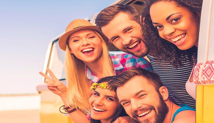 6 gestos ofensivos al viajar que debes evitar