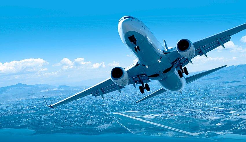 Las empresas viajeras celebran el Black Friday en billetes de avión