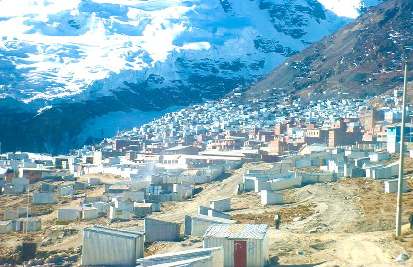 Lugares habitados y aislados del mundo en los que vivir es todo un reto