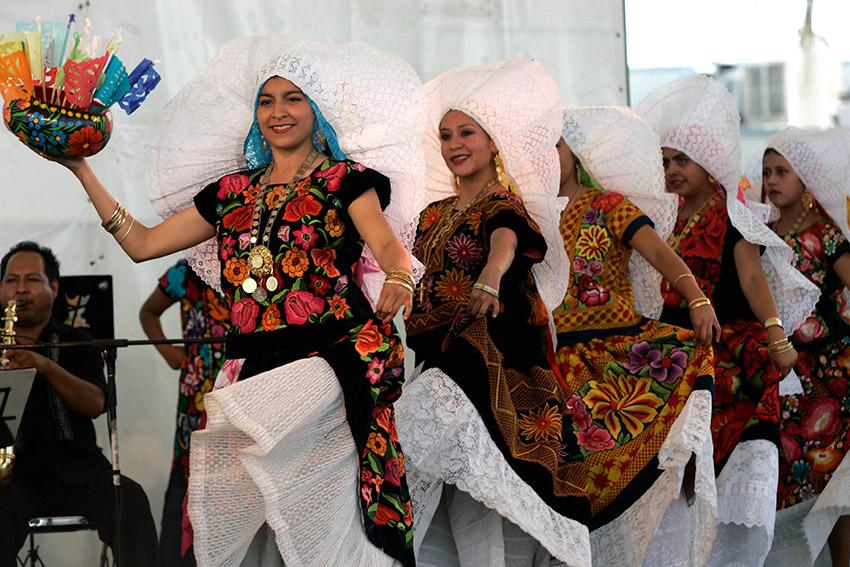 Encuentro de Bailes Regionales, uno de los eventos de México