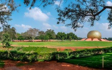 La ciudad de Auroville: un lugar sin moneda, sin religión ni gobierno