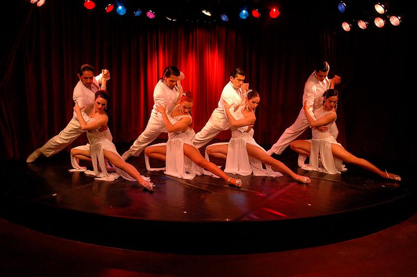 Rojo Tango, uno de los mejores salones de tango en Buenos Aires