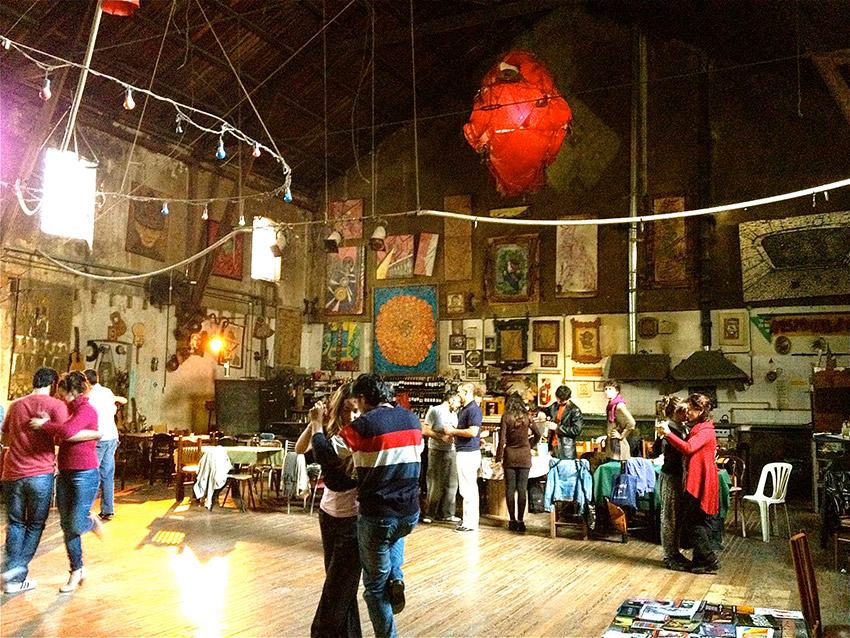 La Catedral, uno de los mejores salones de tango en Buenos Aires
