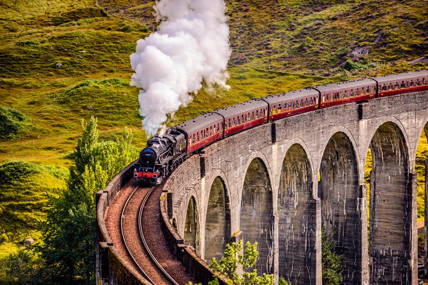Viaducto de Glenfinnan, uno de los lugares ede Harry Potter en Reino Unido