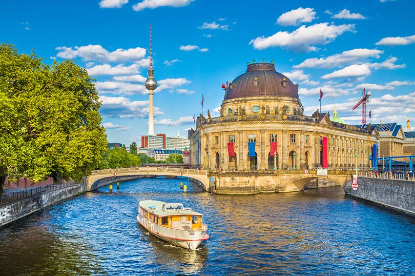 Berlín, uno de los destinos que debes conocer en bicicleta