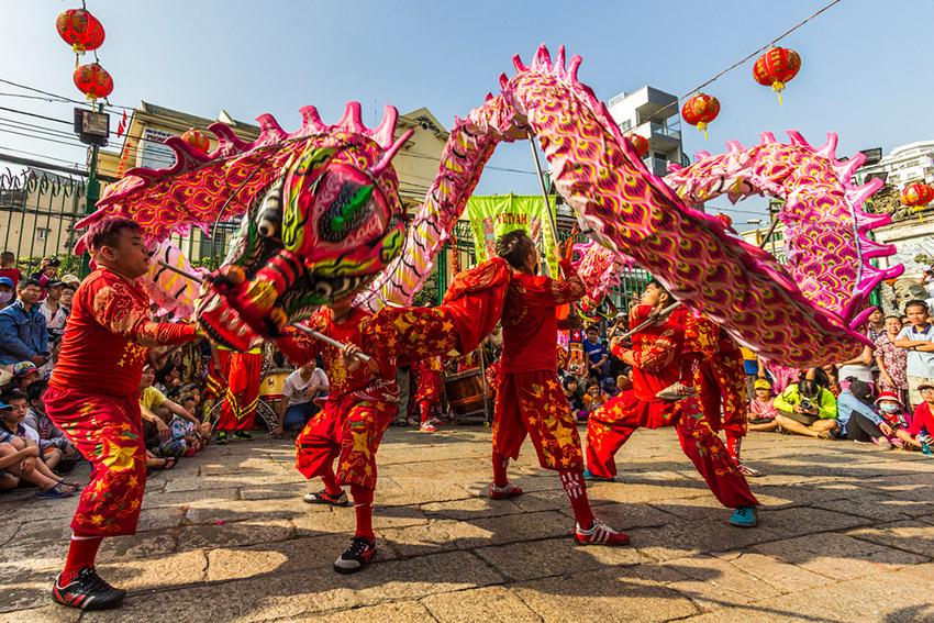 Danza del dragón, uno de los festejos de cómo se celebra el Año Nuevo Chino