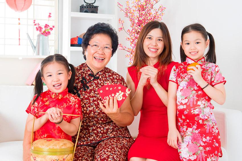 Adornos de la casa, uno de los preparativos de cómo se celebra el Año Nuevo Chino