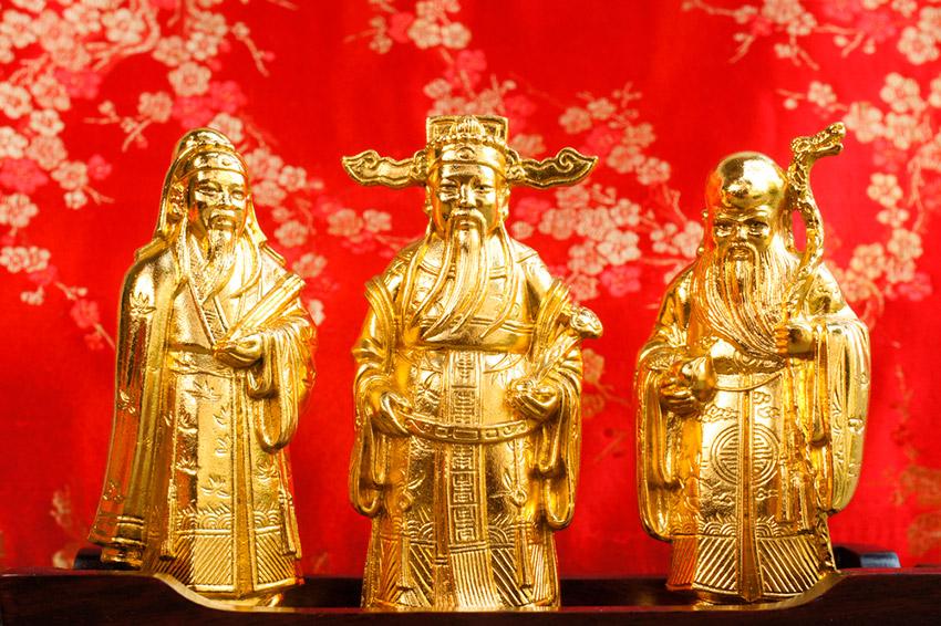 Estatuas de dioses, uno de los preparativos de cómo se celebra el Año Nuevo Chino