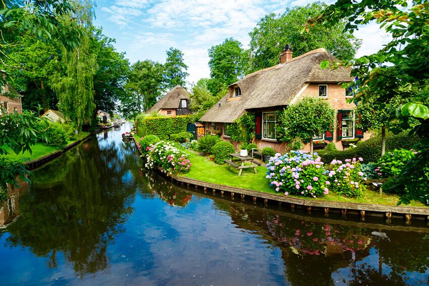Giethoorn, uno de los destinos alternativos a los más turísticos