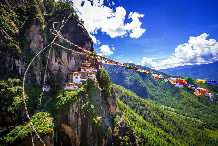 Reino de Bután, uno de los lugares dónde viajar en primavera