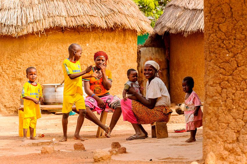 Poblado de Camerún, uno de los lugares donde existe una de las lenguas del mundo a punto de desaparecer