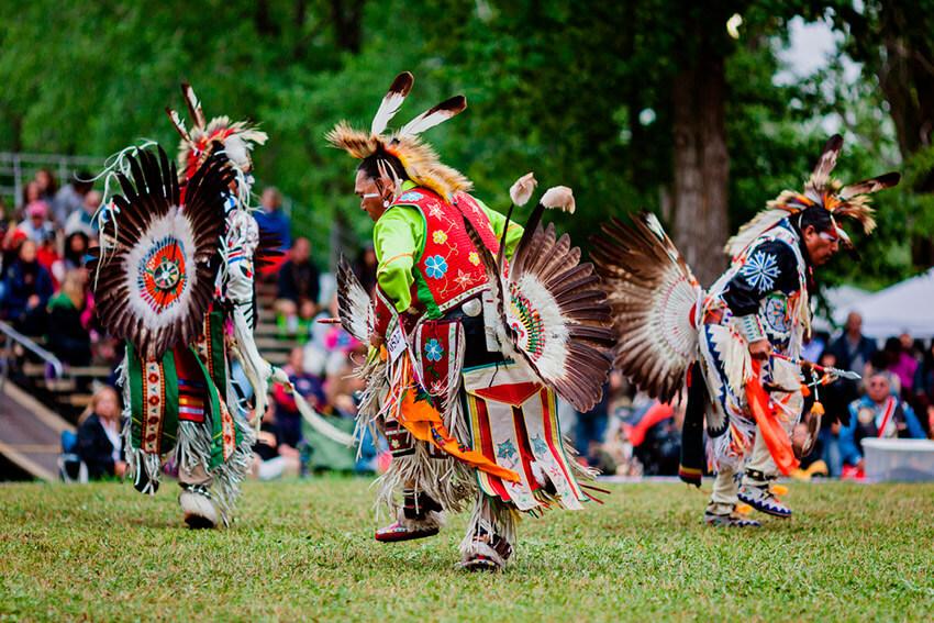 Indio nativos de América del Norte, uno de los lugares donde existe una de las lenguas del mundo a punto de desaparecer