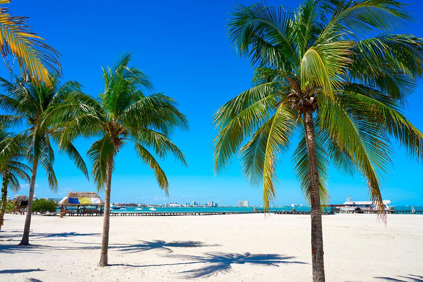 Playa Langosta, una de las playas tranquilas cerca de Cancún