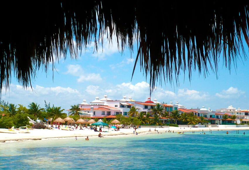 Playa las Perlas, una de las playas tranquilas cerca de Cancún