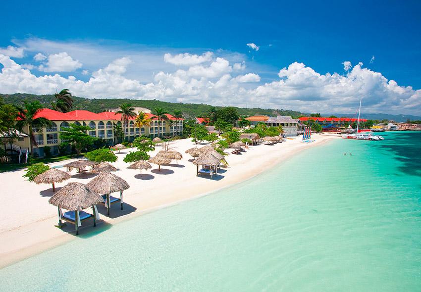Bahía Montenegro, uno de los lugares que ver en Jamaica