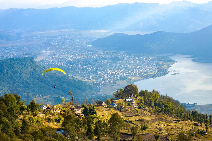 Pokhara, uno de los destinos donde experimentar deportes de riesgo