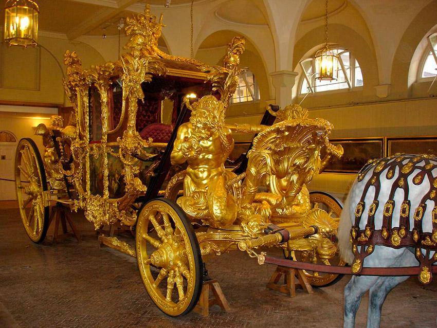 El Coche Estatal, una de las cosas que visitar en el Palacio de Buckingham