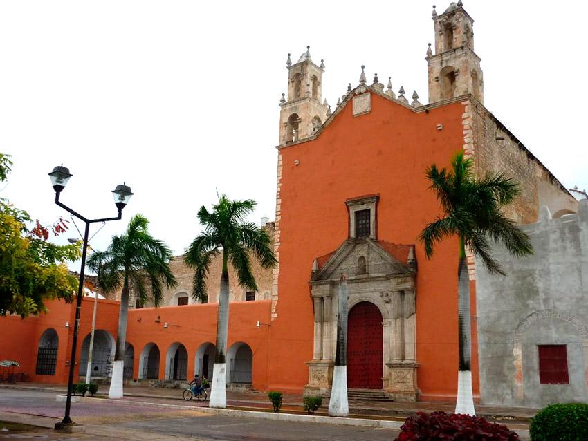 Parroquia de San Juan Bautista, una de las iglesias y Conventos de Yucatán