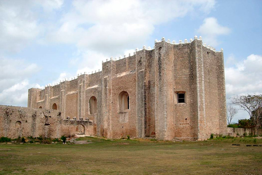Templo Franciscano, una de las iglesias y Conventos de Yucatán