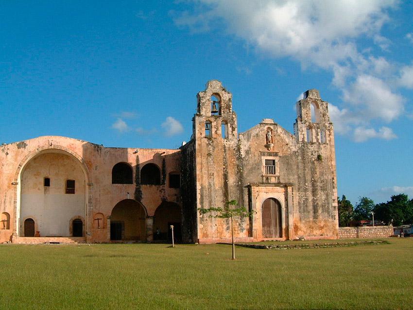 Templo y Ex Convento de la Asunción, una de las iglesias y Conventos de Yucatán