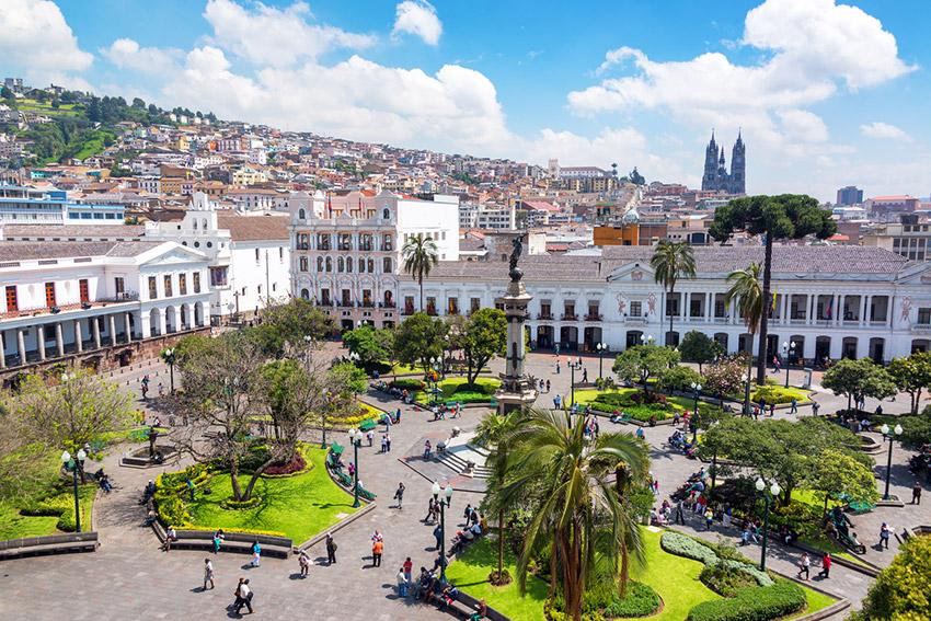 Plaza de la Independencia, uno de los lugares que tienes que visitar en Quito