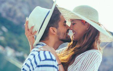 ¡Conoce estos destinos donde está prohibido besarse en público!
