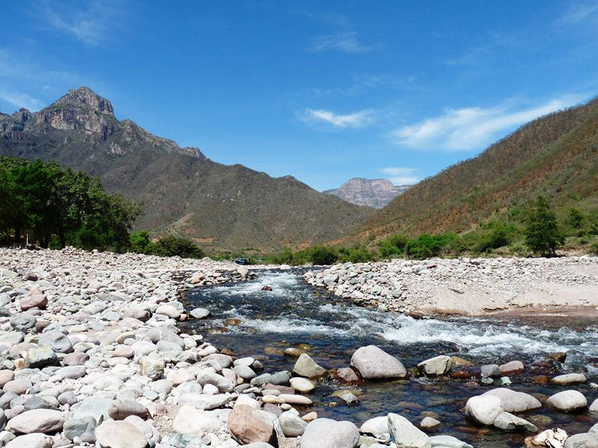Río Urique, uno de los lugares dónde practicar deportes de aventura en Chihuahua