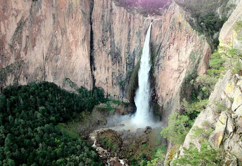 Peña del Gigante, uno de los lugares dónde practicar deportes de aventura en Chihuahua